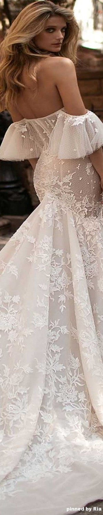 Berta Bridal Fall Winter 2017 l Ria   Wedding dresses ...