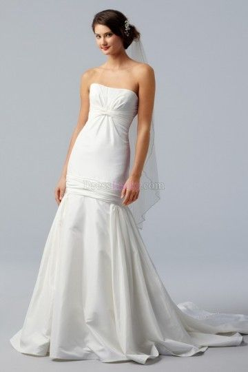 Sexy Simple White Sleeveless Beach/Destination Wedding Dresses With Buttons WDNT82