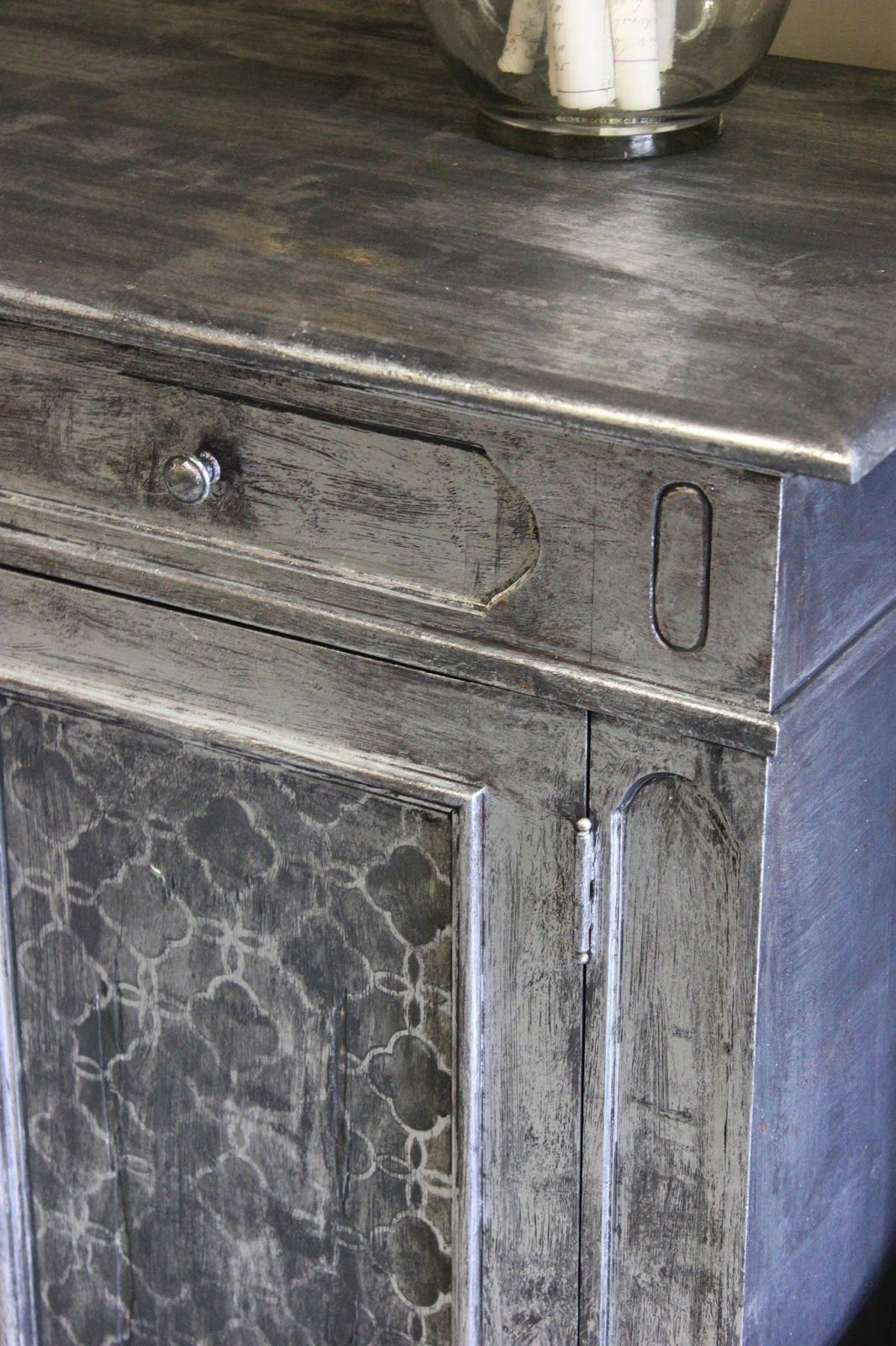 Use Foil For An Easy Silver Leaf Finish Furniture