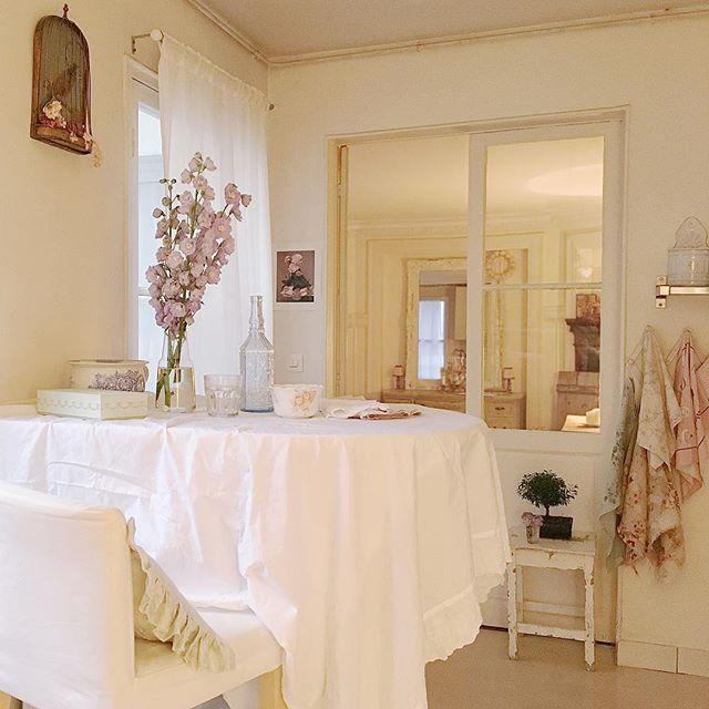 A Parigi uno splendido appartamento in puro stile Shabby