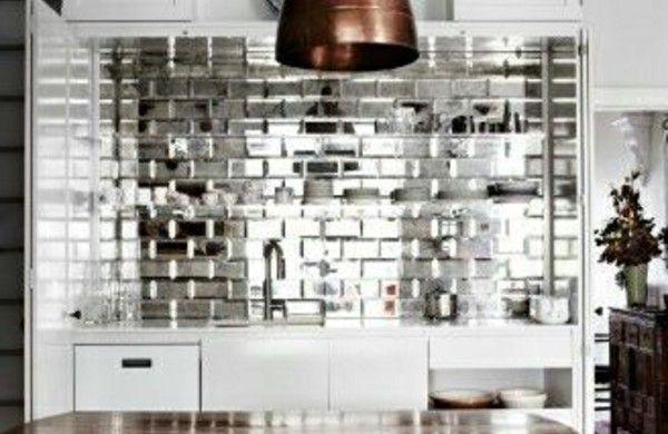 frische küchenrückwand silberglänzende fliesen wohnen - fliesen für küchenwand