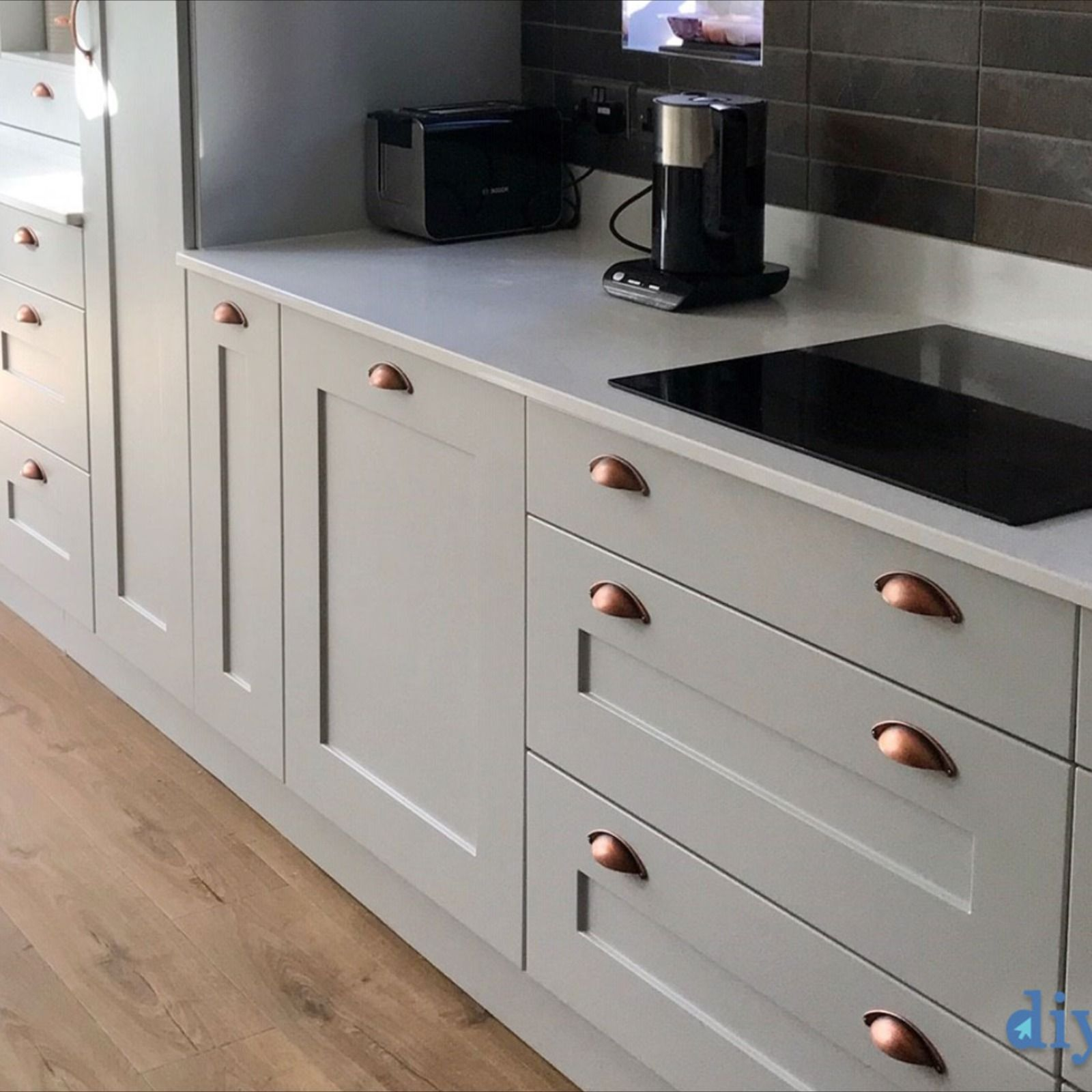 Stanbury Dove Grey in 2020 Grey shaker kitchen, Kitchen