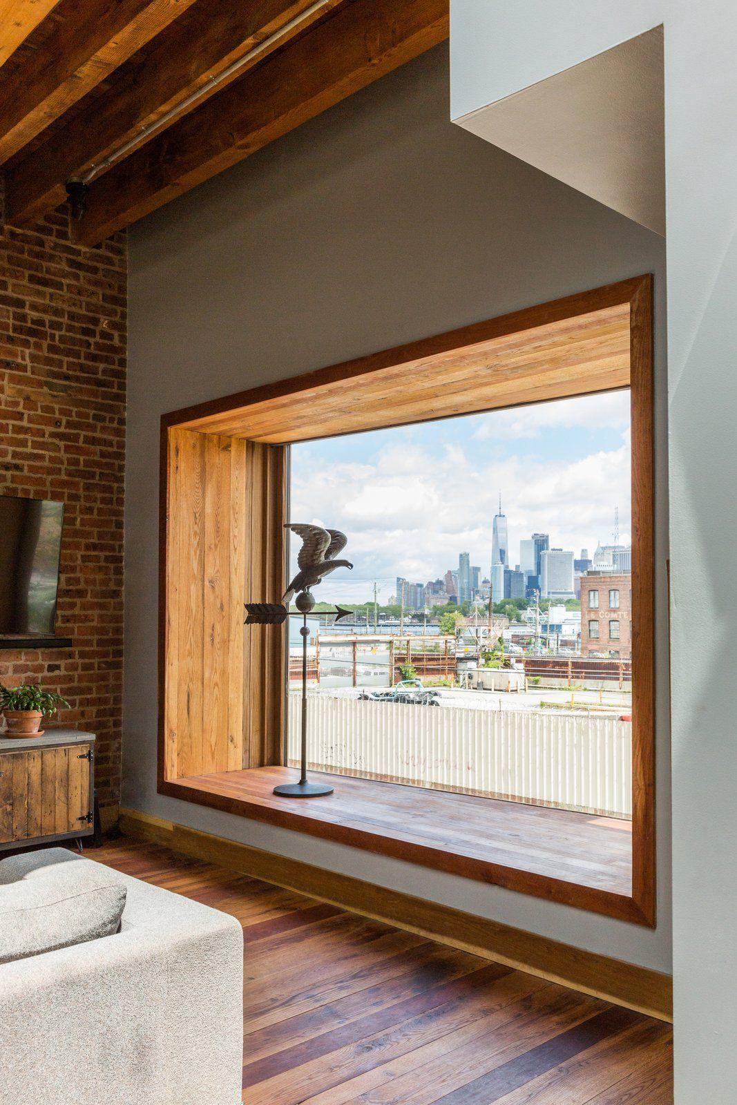 Modern Home With Windows Picture Window Type And Wood Bay Window Is Angled To Capture Manhattan Skyline Views P Bow Window Window Seat Design Modern Windows