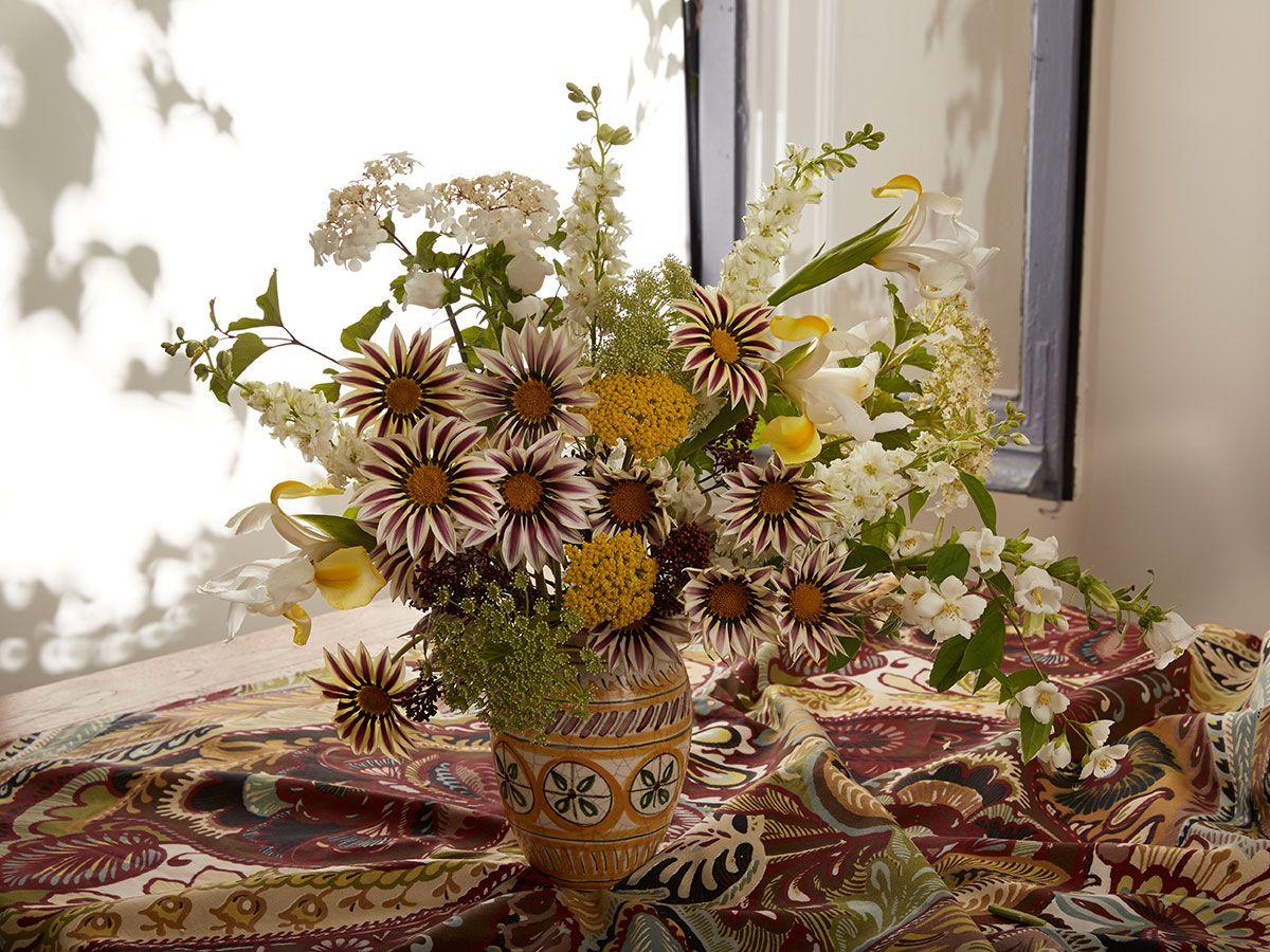 Elisabeth Blumen Arreglos Florales Decoracion Floral Regalo San Valentin Decoracion D Decoraciones Florales Arreglos Florales Festivos Y Acontecimientos