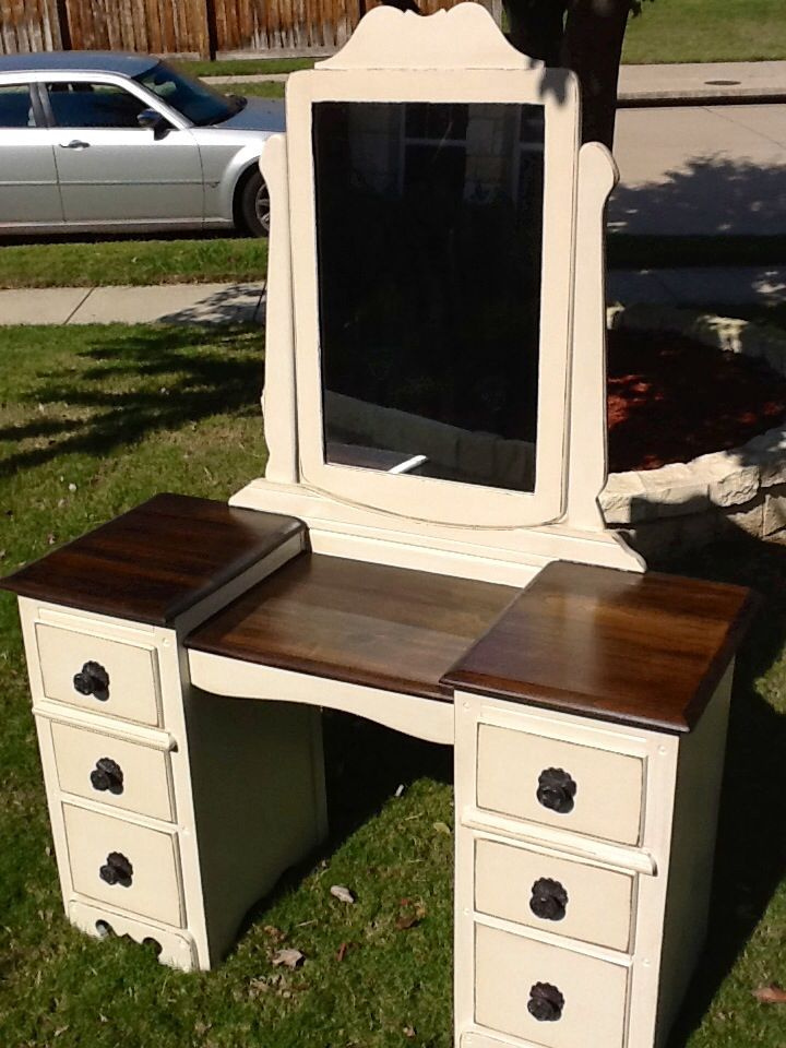 Vintage Vanity Redo Using A Combo Of Walnut Stain And