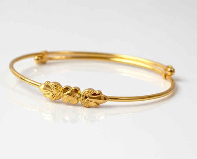 An Apt Design For Baby Girl S Bangle Baby Jewelry Gold Bangles Jewelry Designs Gold Bangles Design