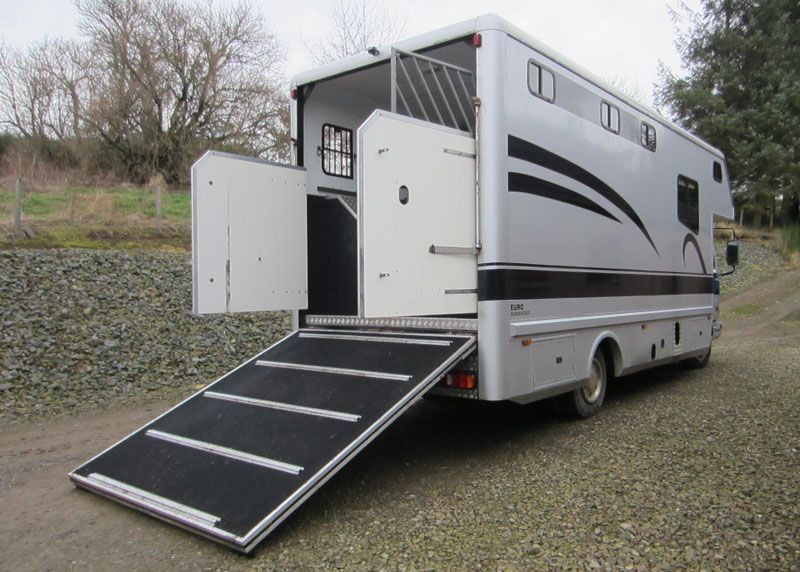 This 1998 #DAF #horsebox carries up to two #horses | For #sale on #HorseDeals