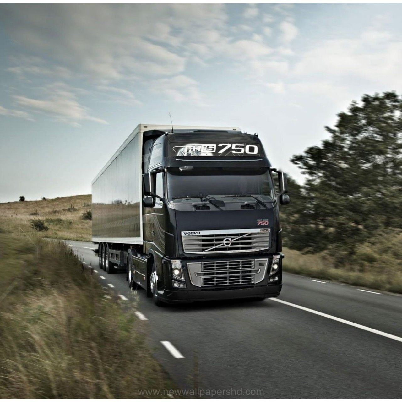 15 Best Trucks In The World Cool Trucks Pictures Volvo Trucks Trucks Volvo Absolutely stunning truck wallpapers