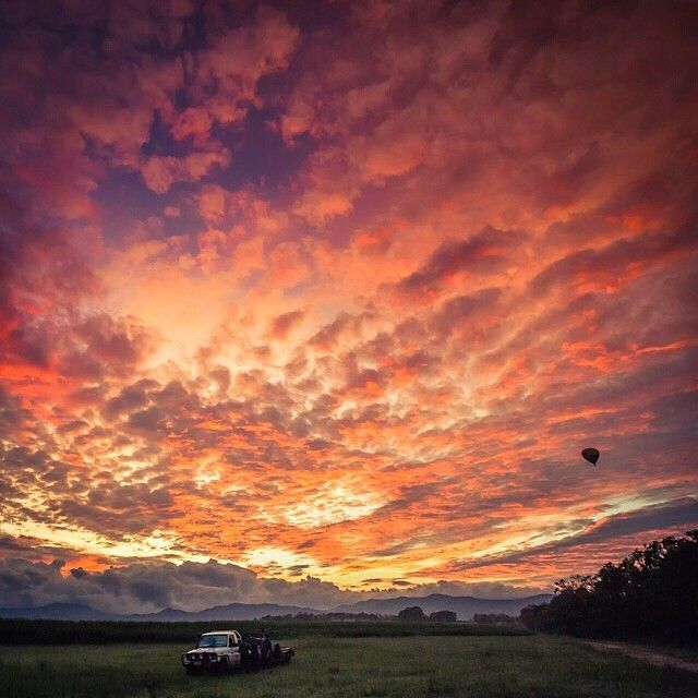 """Wow! Lucky @thetravelographer scored this incredible morning for some hot air ballooning at #Mareeba in the Atherton Tablelands. Spectacular aerial views…"""