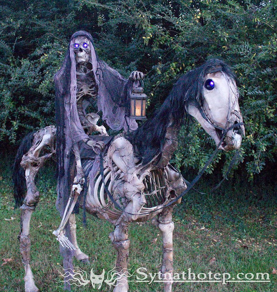 Halloween Home Decor Ideas: The Horseman (Home Depot Skeletons Makeover)