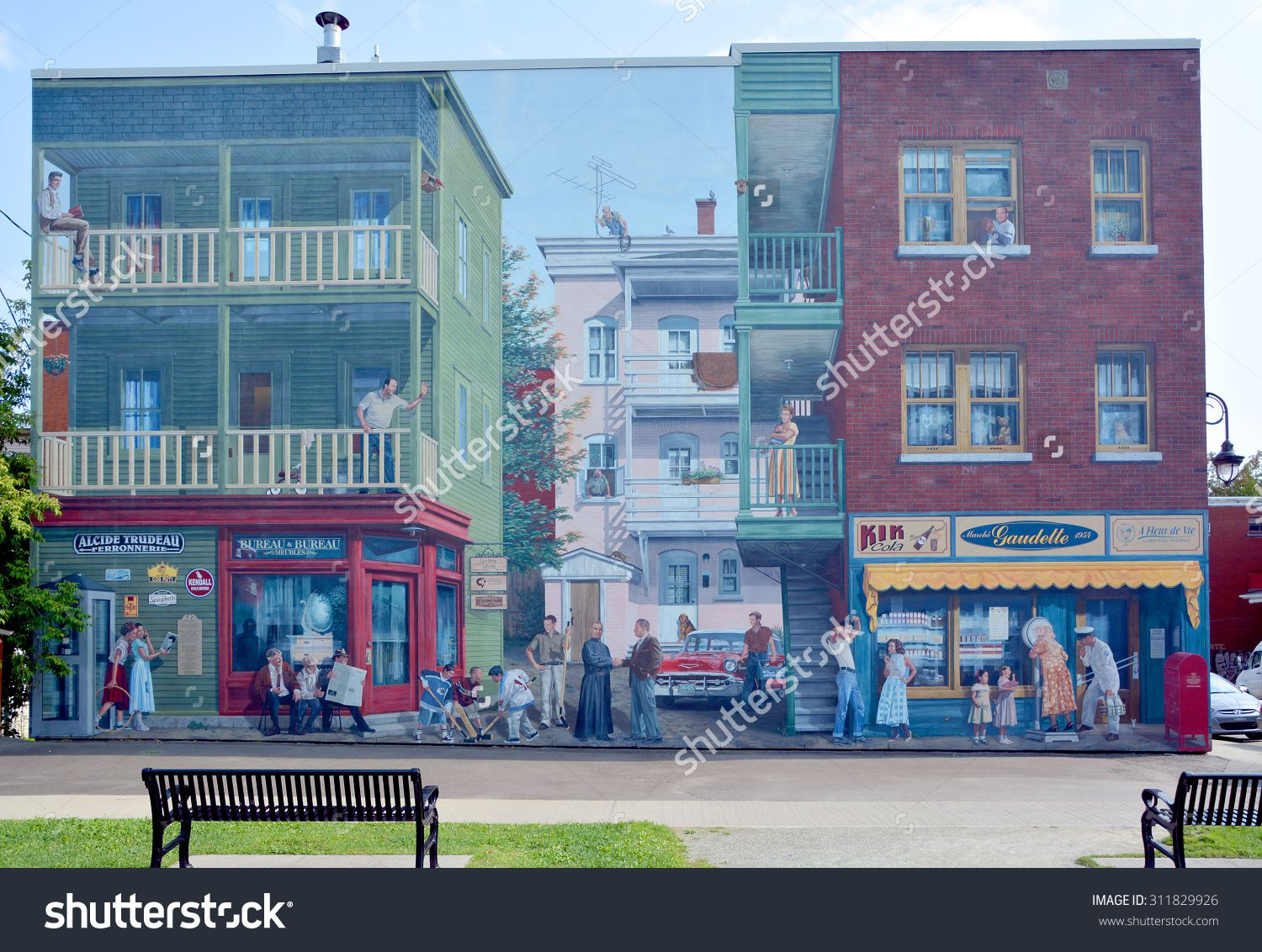 Sherbrooke Canada August 29 2015 Story Of Sherbrooke Fresco Murals First Of Its Kind In Canada Is A Unique Attraction That In 2020 Sherbrooke Street Art Stock Photos