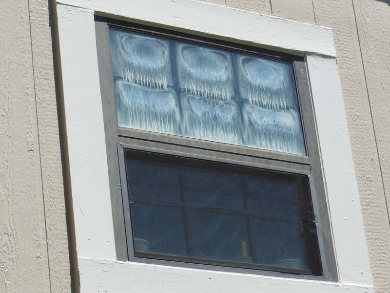 Do Your Windows Look Like This Let Us Give You A Quote In 5 Minutes For Replacement Windows Window Replacement Windows Replacement