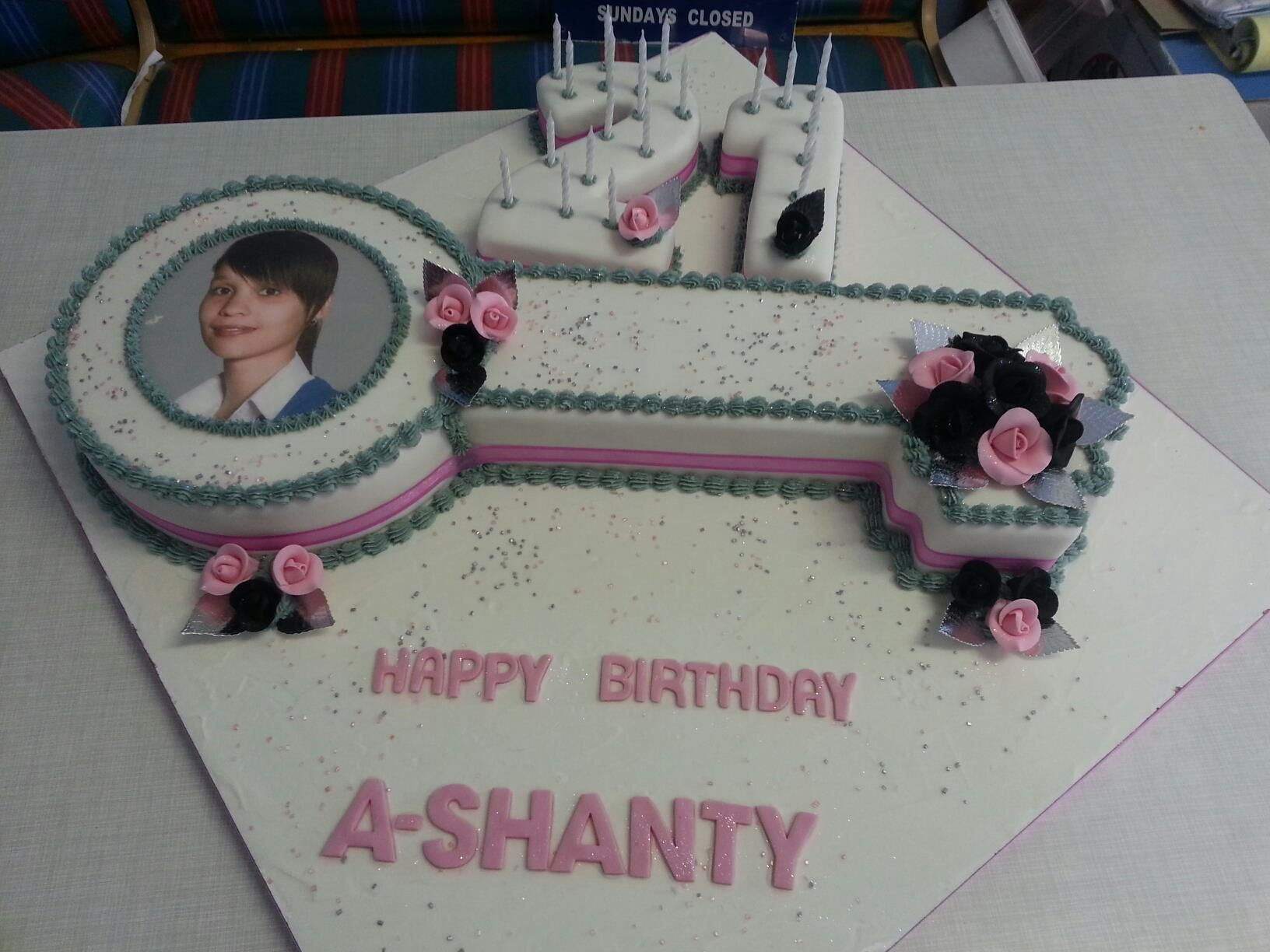 Strange 21St Birthday Key Cake With Number Cake Pink And Black Fondant Funny Birthday Cards Online Alyptdamsfinfo