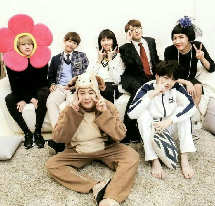 Pin By Spacefourteen On Bts House Of Army Bts Funny Bangtan