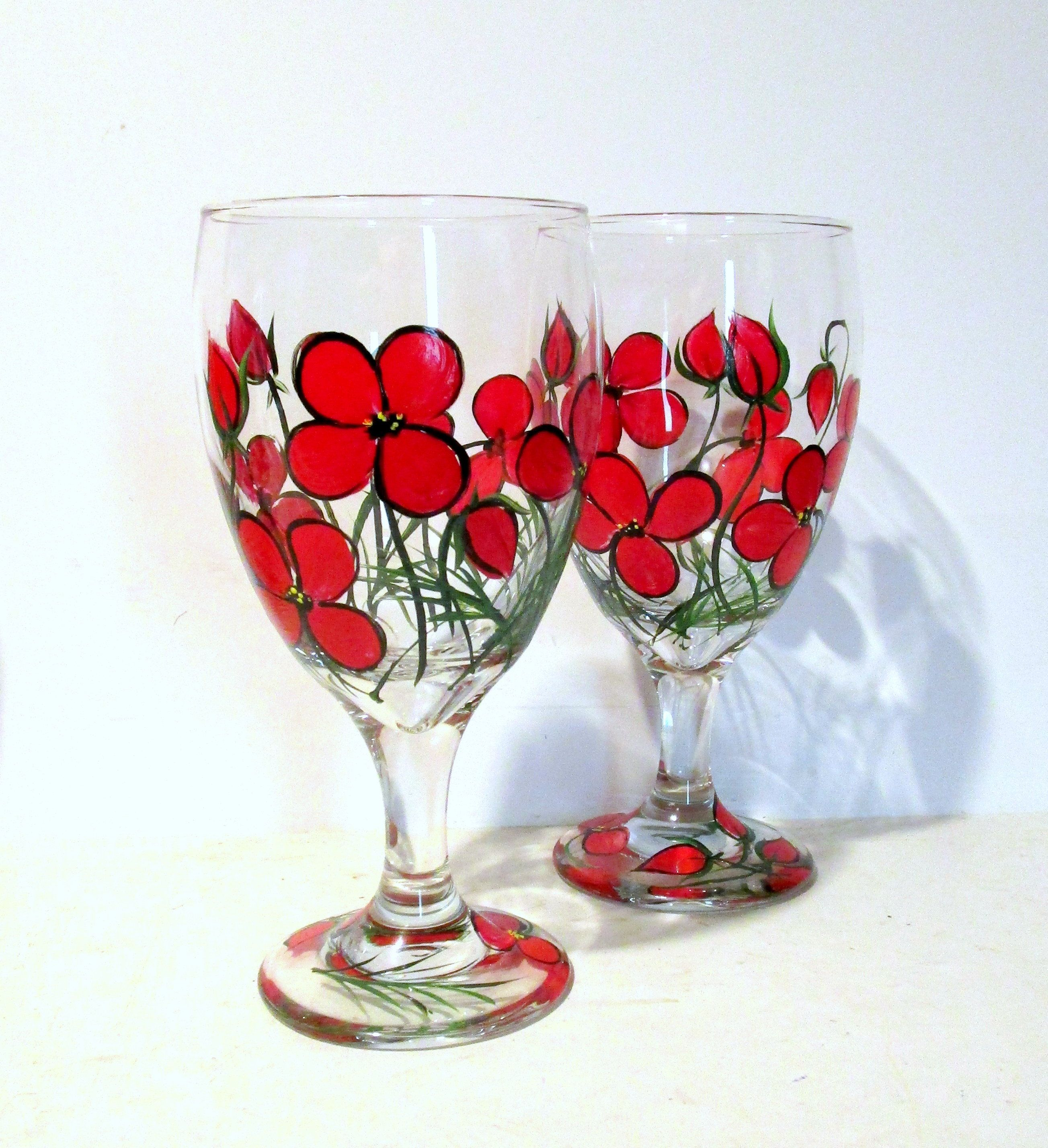 Whimsical Red Poppies Hand Painted Set Of 2 16 Oz Ice Tea Glasses Bridesmaids Gift Bridal Shower Red Flowers Wedding Party Gift In 2020 Red Wedding Flowers Gifts For Wedding Party Red Poppies