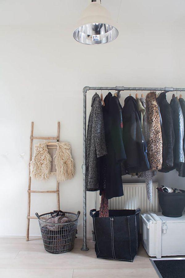 portant vetement style vintage industriel | agencement de magasin