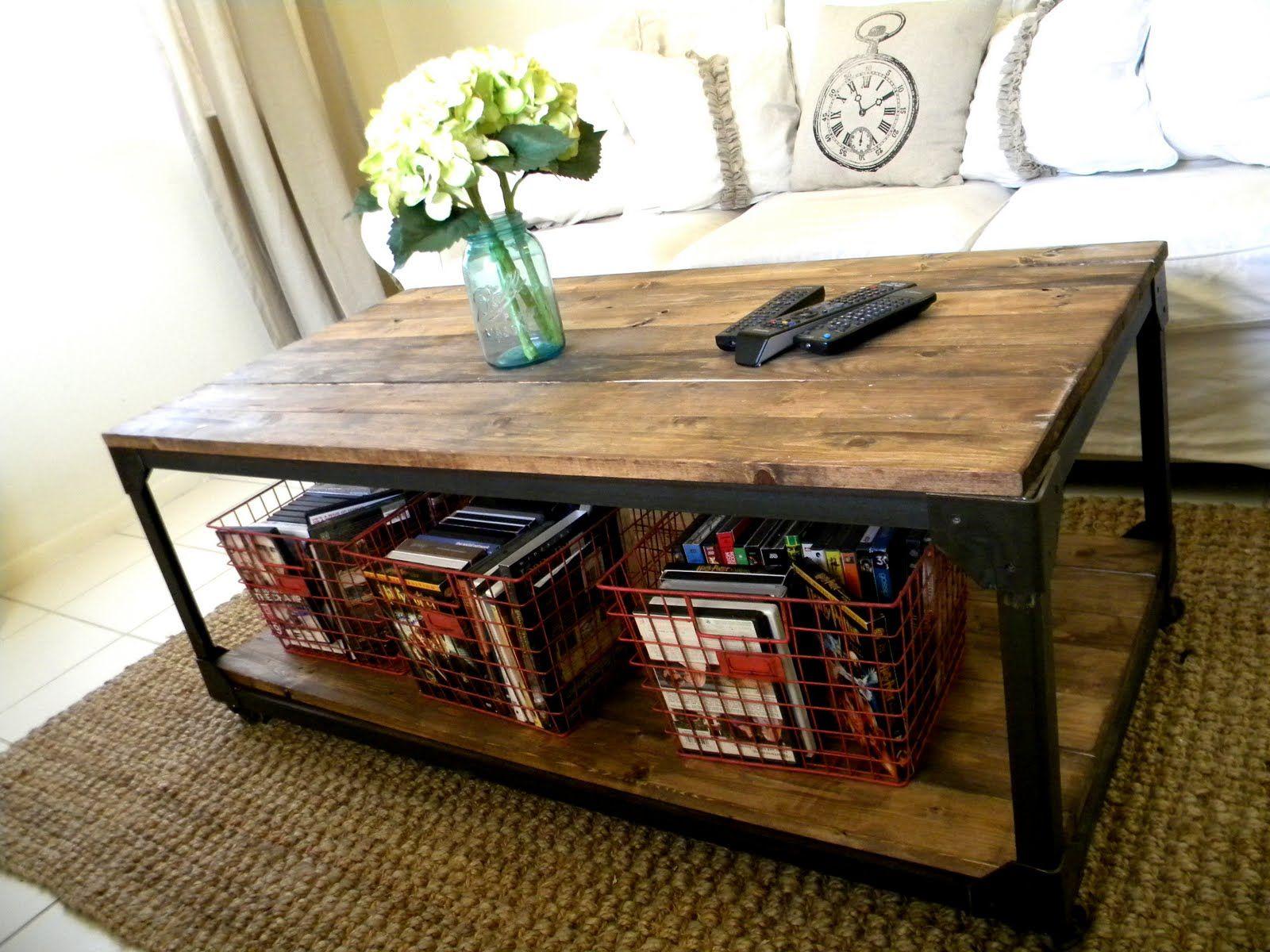 die besten 25 industrielle couchtische ideen auf. Black Bedroom Furniture Sets. Home Design Ideas