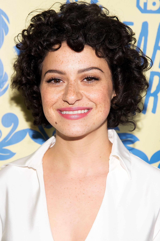 Schöne Kurze Frisuren Für Frauen Mit Lockigem Haar Neue Haare Frisuren