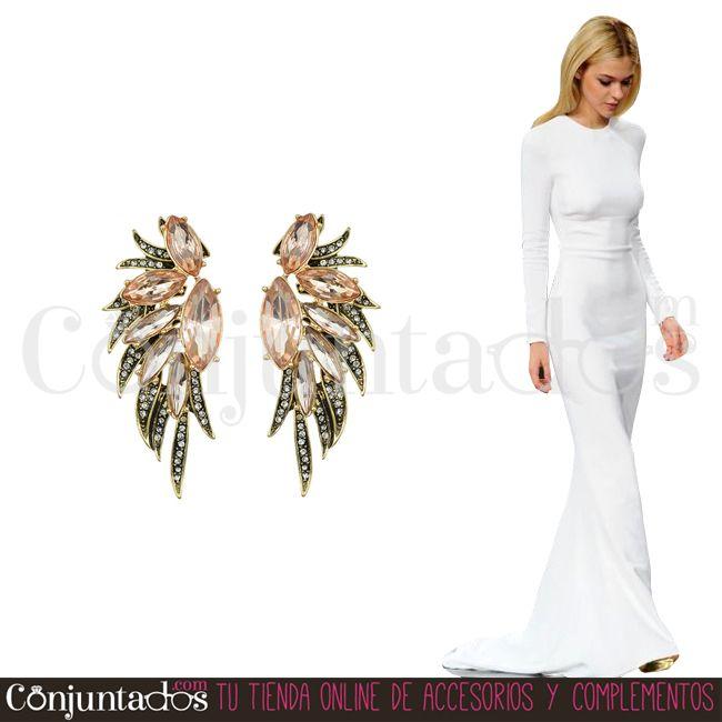 Los pendientes Gabriela son un complemento fiestero fabuloso, de tonos neutros y strass, cojuntable de mil manera ★ 13,95 € en https://www.conjuntados.com/es/pendientes-gabriela-de-cristales-rosas-y-strass.html ★ #novedades #pendientes #earrings #conjuntados #conjuntada #joyitas #lowcost #jewelry #bisutería #bijoux #accesorios #complementos #moda #eventos #bodas #wedding #party #invitadaperfecta #fashion #fashionadicct #picoftheday #outfit #estilo #style #GustosParaTodas #ParaTodosLosGustos