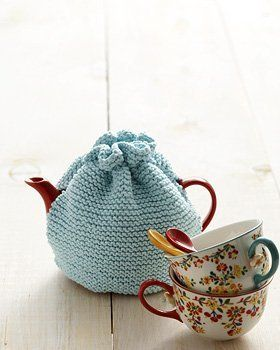 Tea drinkers, rejoice!  This Beginner Tea Cozy is just what you need for your kitchen.  Made entirely in the garter stitch, you'll be able to use this tea cozy pattern to make a practical item for your kitchen in no time.  Just follow the diagrams fo