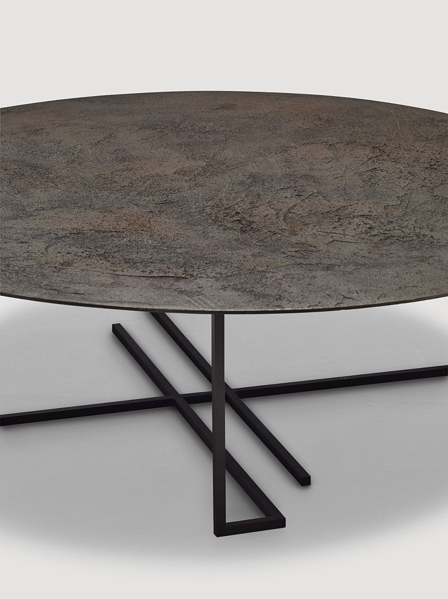 Table Basse Studio Coffee Table Contemporary Metal Round Urushi By Ce Studio