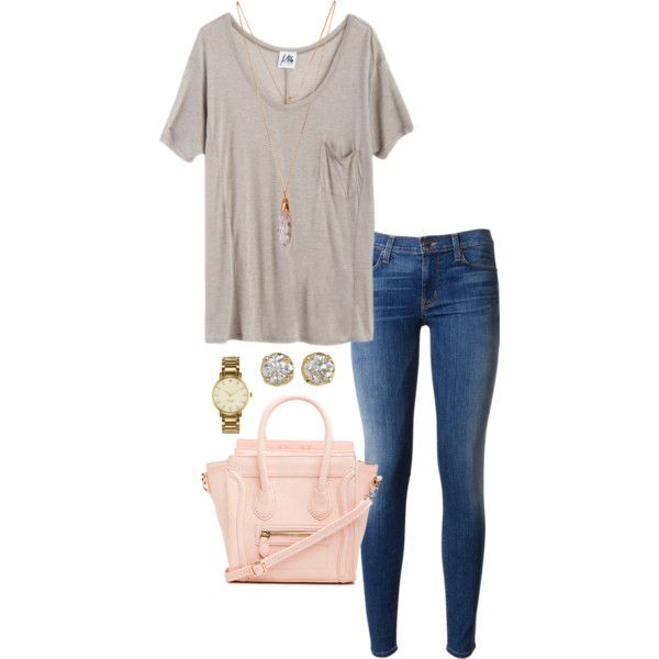Minus the purse, it's a perfect lazy day outfit that looks like you put effort into but you really didn't