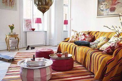 Moroccan inspired Living room. I love Moroccan, Indian, Arabic interiors.. Makes me feel Royal!