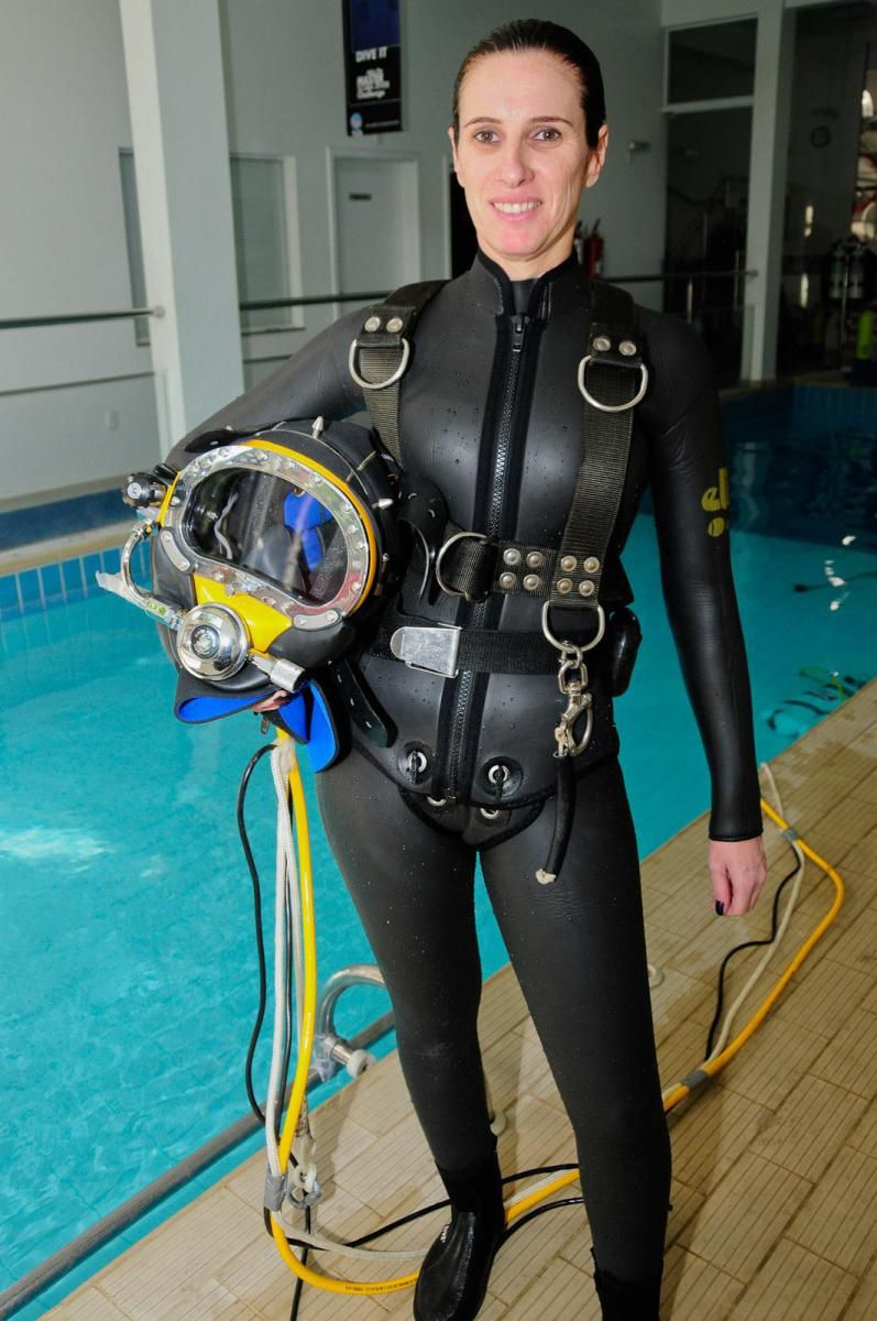 woman scuba gear fetish