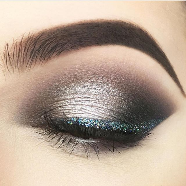 Grey and cool green eye makeup