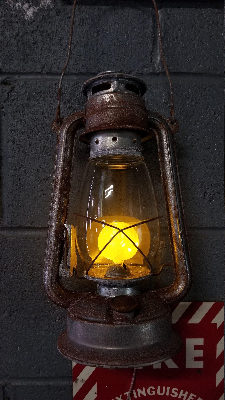 Table Lamp Battery Operated Lantern Rustic Rusty Hurricane Lantern Led Light Kerosene Lantern Rusted Corroded Metal Lentera