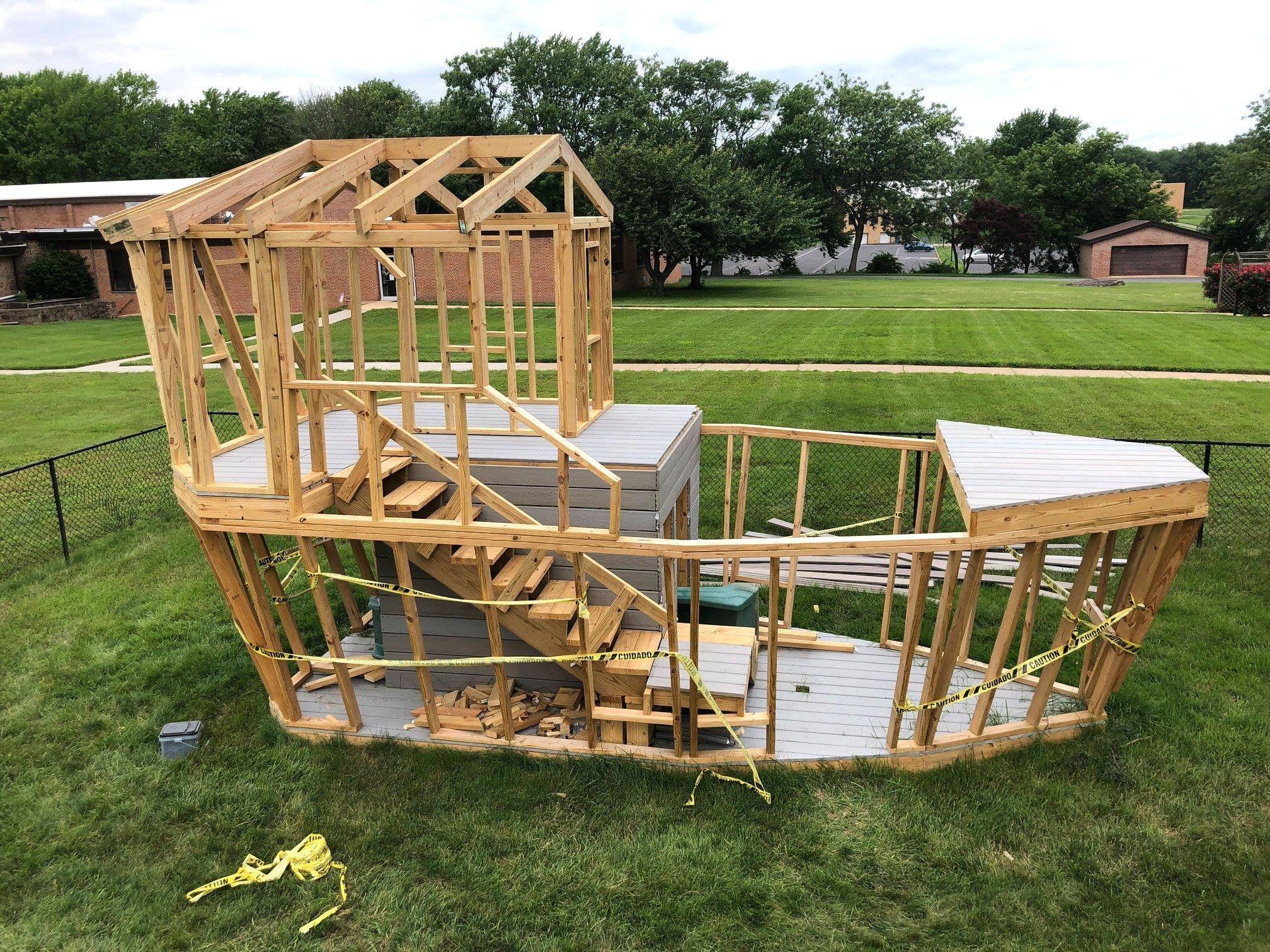 So Bauen Sie Sandkasten Piratenschiff Nutzliche Tipps Und Anleitung Anleitung Bauen Nutzliche Pira In 2020 Backyard Playground Davy Jones Locker Kids Playground