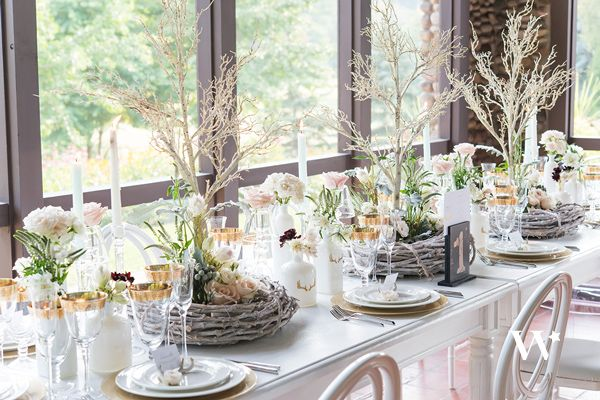 Wedding Reception Centerpieces: 9 Tips to Stunning Arrangements