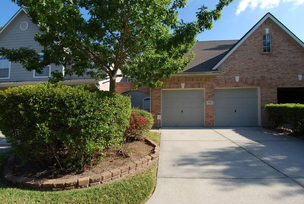 Sold By Michele Hanigan 214 738 5555 Dallashomes Me Com Kingwood 3br House For Sale Kingwood Texas Condo Hous Garage Doors Affordable Garage Doors Kingwood