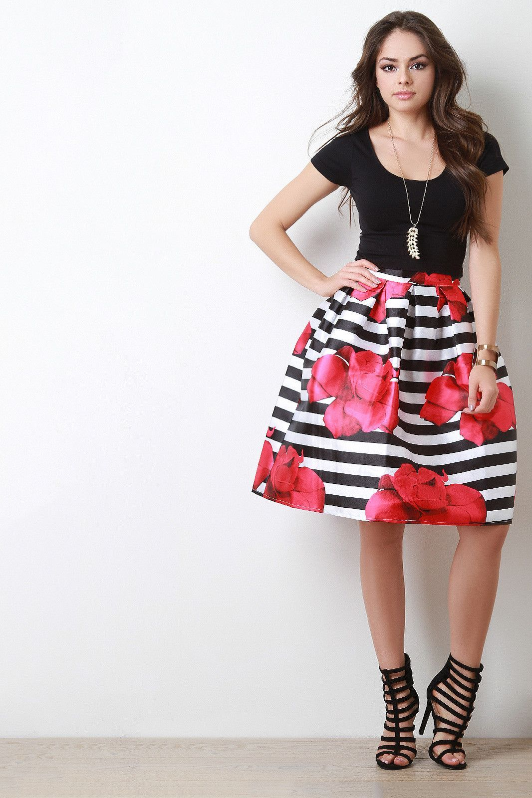 Bold Striped Floral Print Pleated Skirt