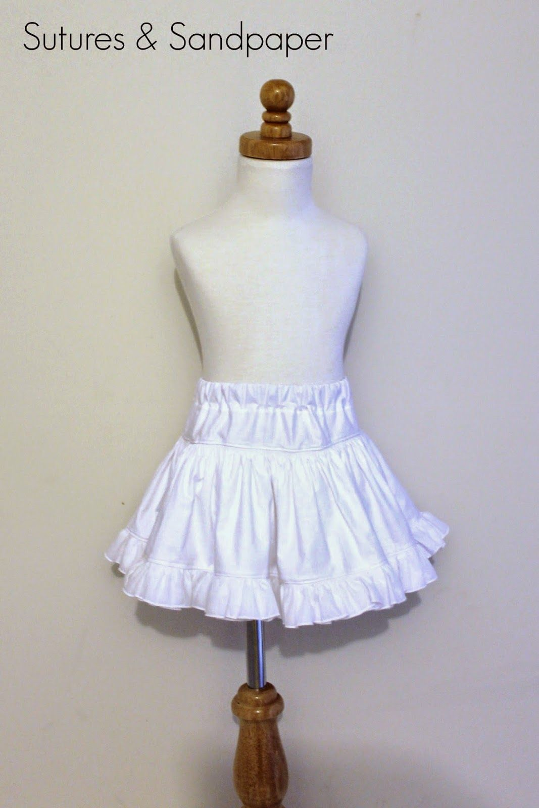 This is a super quick post to share an idea I had. I have been wanting a pettiskirt for E to wear when taking photos of her dresses. T...