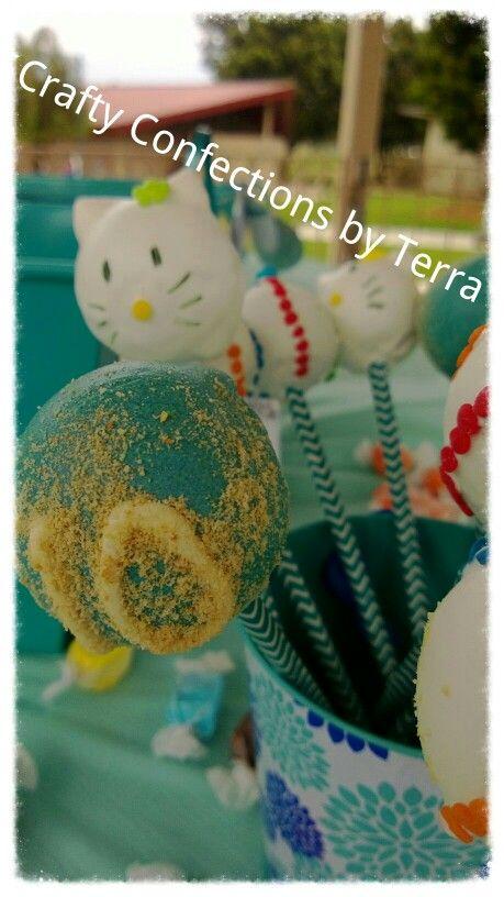 Hello kitty beach theme cakepops