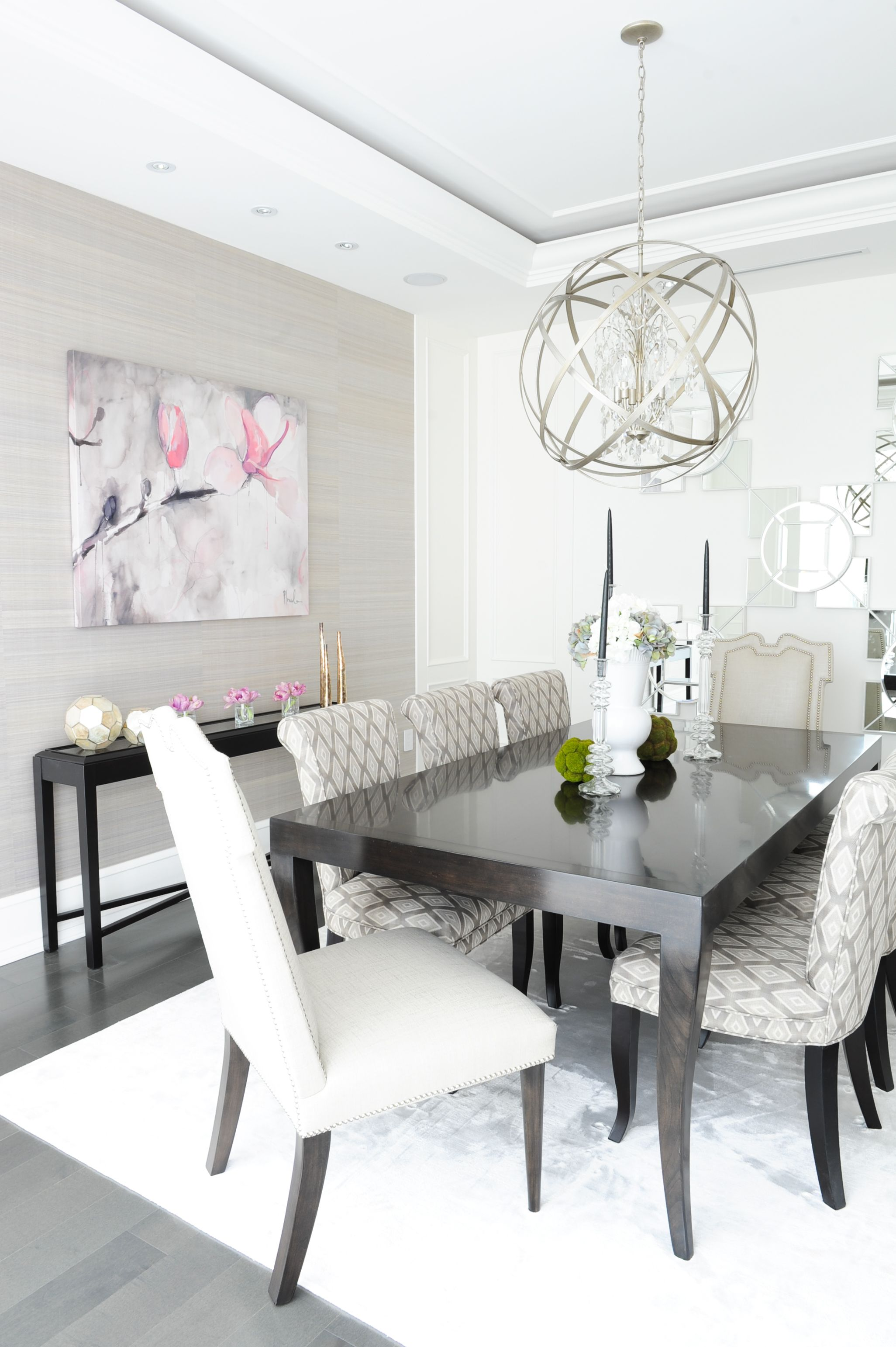 Dining room designed by enviable designs a refined and for Mobilia kitchen table