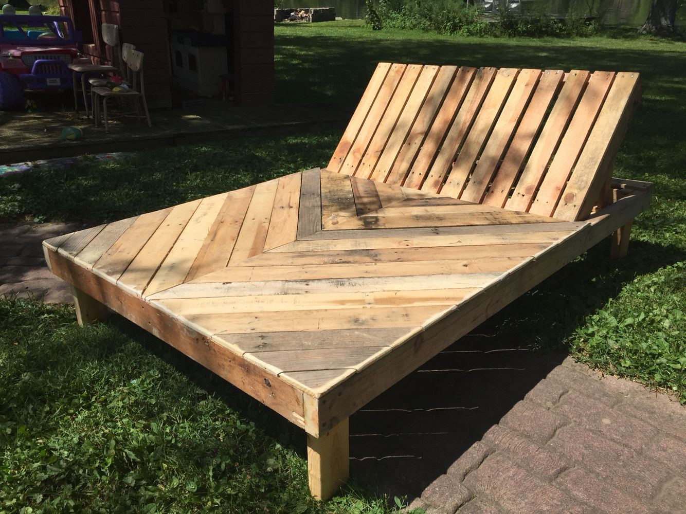 skid furniture ideas. Chaise Lounge Made From Upcycled Skids / Pallets Skid Furniture Ideas T