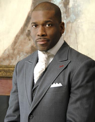 Dr. Jamal H. Bryant is a preacher that has worked the Social Media piece to the hilt!