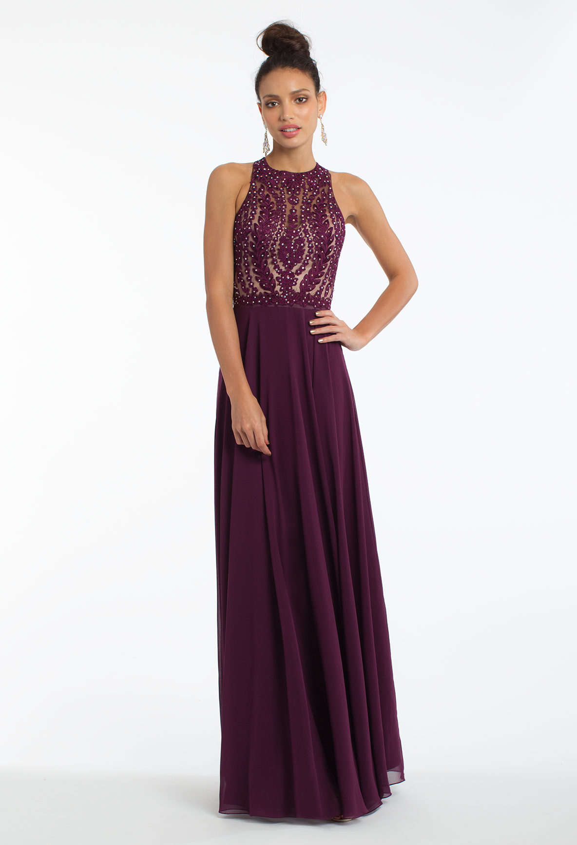Float through the night in this ethereal evening gown A flawless ...