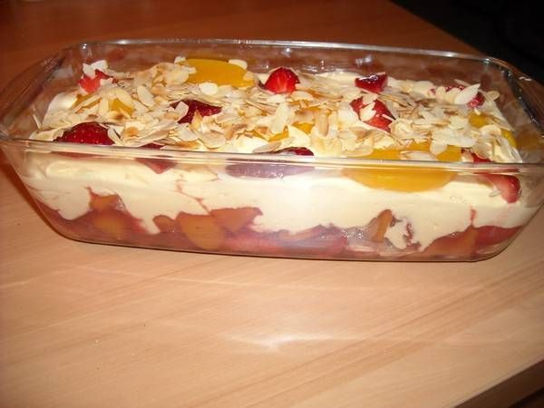 zalige trifle met mascarpone advocaat en fruit recept. Black Bedroom Furniture Sets. Home Design Ideas