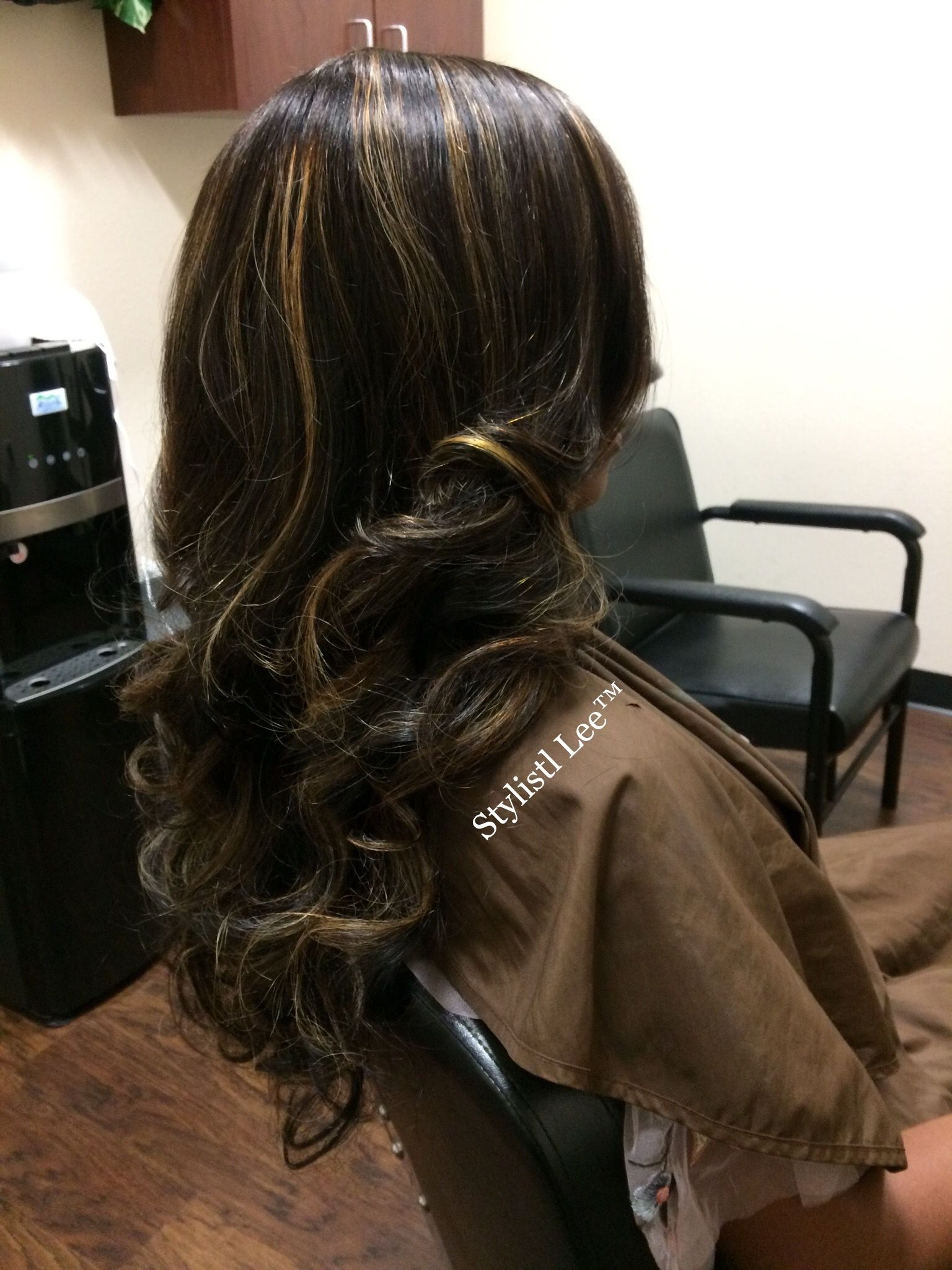 Absolutely Love These Highlights On 24inch Raw Indian Natural Wavy Hair By Sl Raw Virgin Hair Natural Wavy Hair Hair Dye Colors Virgin Hair
