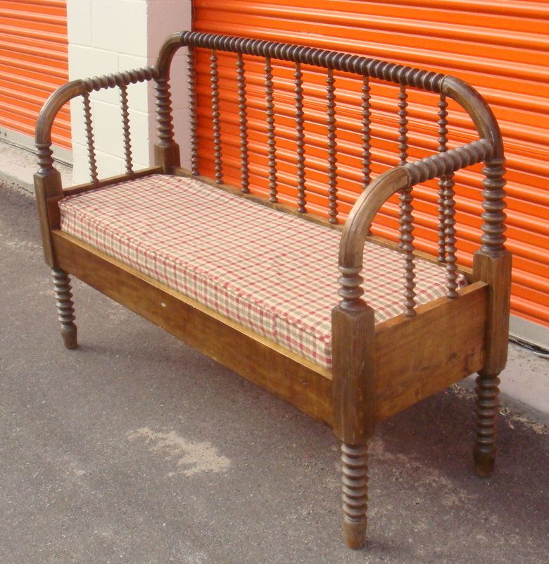Convert a Jenny Lind bed into a bench   Bancos reciclados ...