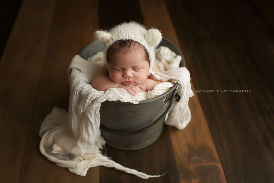 Sugashoc photography newborn photographer bucks county pa doylestown pa posing in a bucket newborn posing ideas