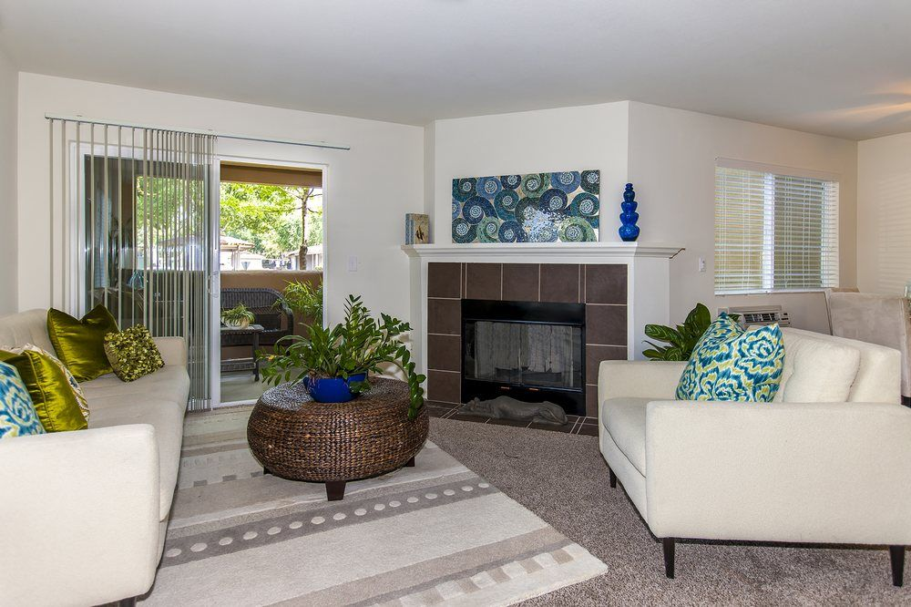 Photo Of The Woods Apartments San Jose Ca United States Edenwood One Bedroom Townhome With Fireplace One Bedroom Building Renovation Apartment Building