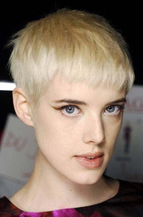 Pin By Mandy Lai On Agyness Deyn Short Hair Cuts Hair