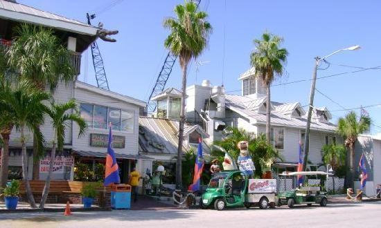12754 Kingfish Dr Treasure Island Fl Gators Cafe Saloon Outside