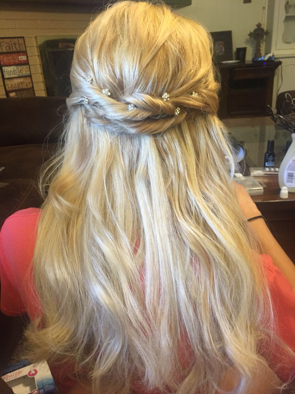 Simple updo design,really good for prom or banquets ...