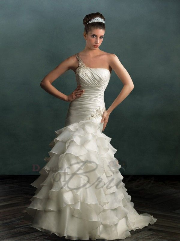One-shouldered Wedding Gown £213.65