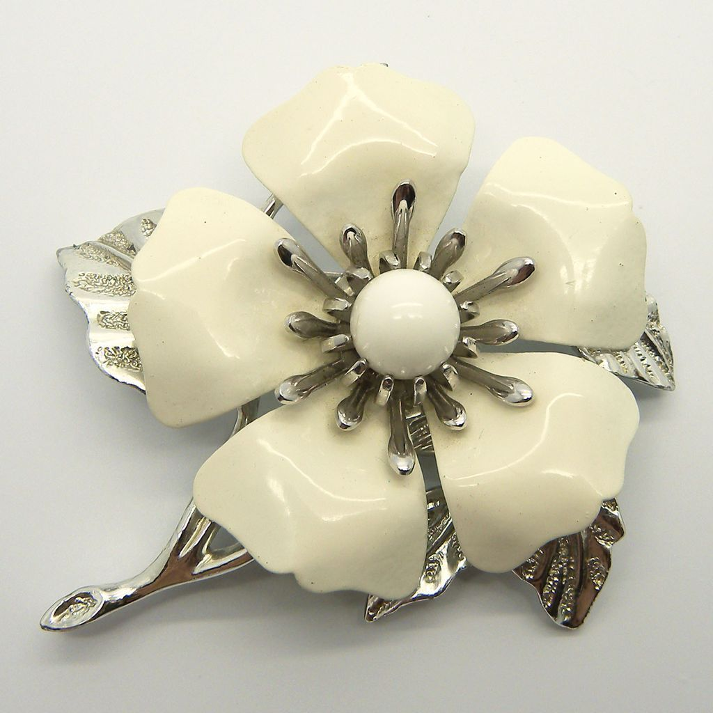 Sarah Coventry Summer Magic White Flower Pin Brooch Oh Just Stick